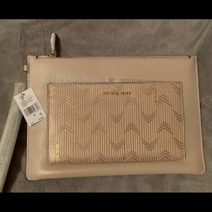 Michael Kors Pocket Zip Wristlet in Soft Pink